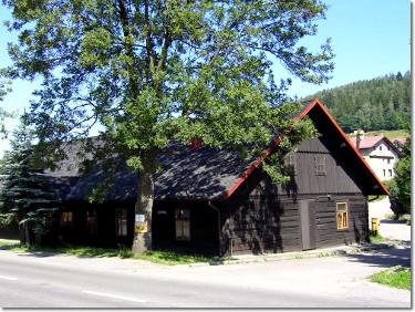 Zabytkowa chata w Brennej