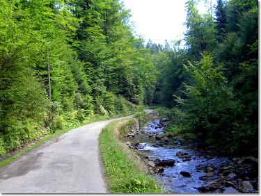 Szlak wzdłuż Białej Wisełki